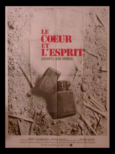 Affiche du film CŒUR ET L'ESPRIT (LE) - HEARTS AND MINDS