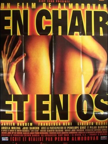 Affiche du film EN CHAIR ET EN OS - CARNE TRÉMULA