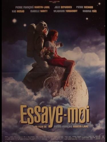 Affiche du film ESSAYE MOI