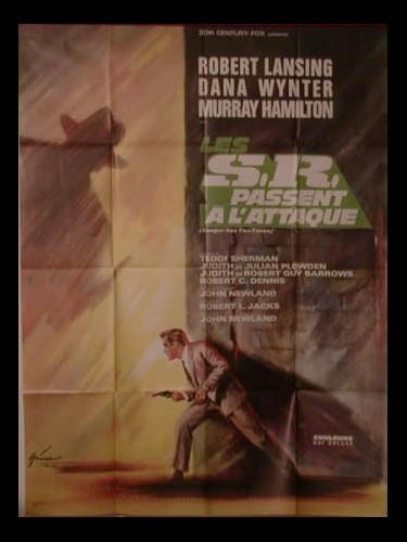 Affiche du film LES S R PASSENT A L'ATTAQUENT