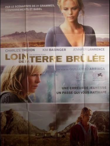 Affiche du film LOIN DE LA TERRE BRULEE