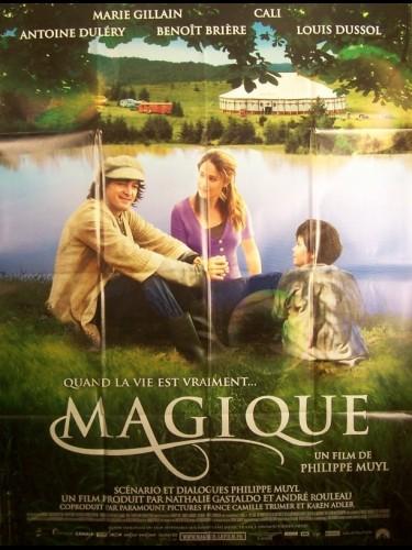 Affiche du film MAGIQUE