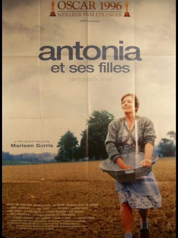 Affiche du film ANTONIA ET SES FILLES - ANTONIA