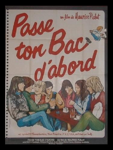 Affiche du film PASSE TON BAC