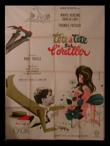Affiche du film TETE A TETE SUR L'OREILLER (BATAILLE DE POLOCHON) - DAS SCHWARZ-WEISS-ROTE HIMMELBETT