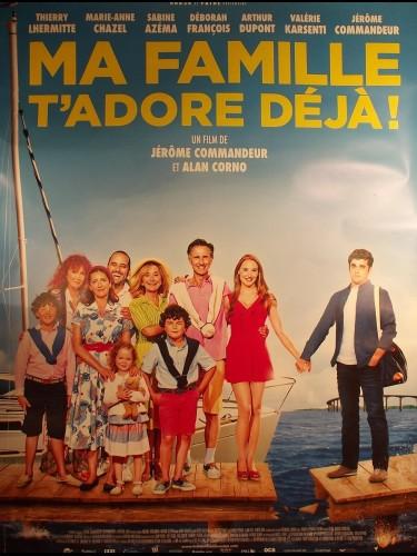 Affiche du film MA FAMILLE T'ADORE DÉJÀ